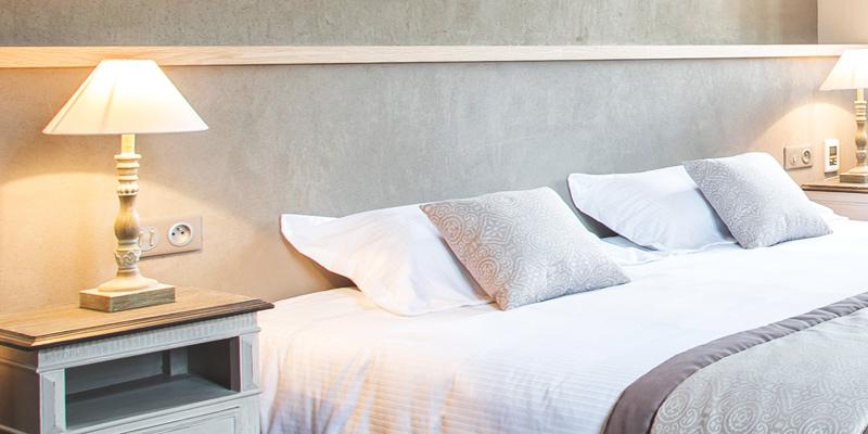 Grand lit de l'hôtel de l'Abbaye