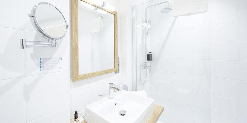 Salle de bain hotel de l'Abbaye le Tronchet